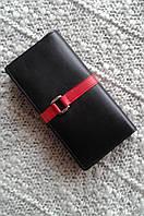 Женский кошелек кожаный черный c красным фирмы SWAN