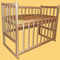 Кроватка детская без лака КФ с качалкой и опусканием