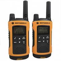 Рация Motorola TLKR T80 Extreme (Стандарт: PMR446, Мощность: 0.5 Вт, Дальность: до 10км, Вес: 140г)