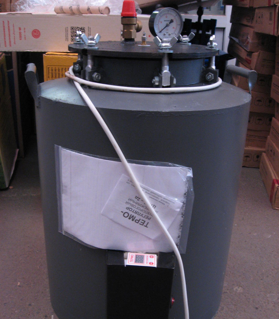 Автоклав електричний (цифрове управління) для домашнього консервування на 16 / 24 банок