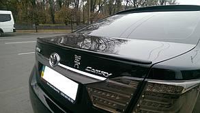 Спойлер кришки багажника Toyota Camry V50 2011-
