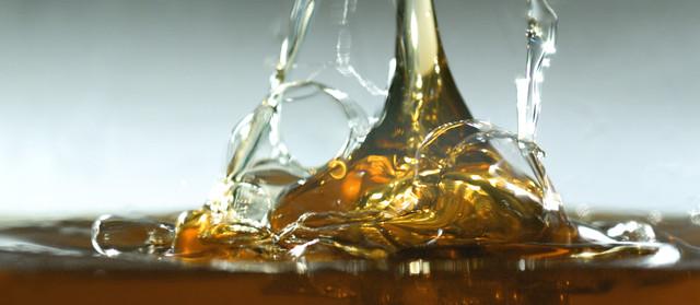 Полусинтетическое масло для грузовых автомобилей