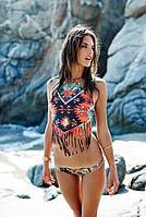 Женский эффектный купальник с орнаментом: топ с бахромой и трусики