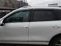 Дефлекторы окон (ветровики) Volkswagen Touareg 2010-> 4дв  Хром молдинг
