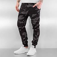 Спортивные зауженные брюки цвета хаки