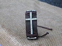 Женский кожаный браслет со стразами в подарок КРЕСТ ручная работа