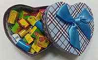 Готовый подарок жвачки Love Is в коробочке сердце 35 шт, фото 1