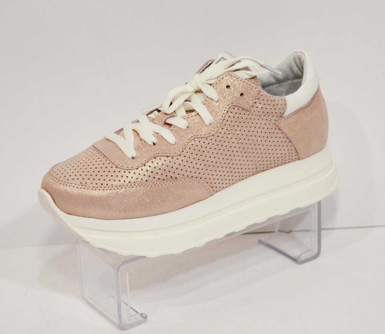Женские розовые кроссовки Selesta