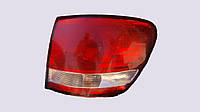 Фонарь задний правый Toyota Avensis Verso 81551-44090