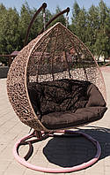 """Подвесное кресло из ротанга """"Dabl""""."""