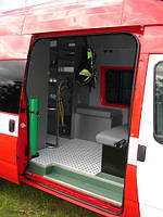 Машина для транспортировки рабочих бригад и оборудования