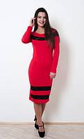Нарядное красное платье за колено, приталенного силуэта с кружевными вставками