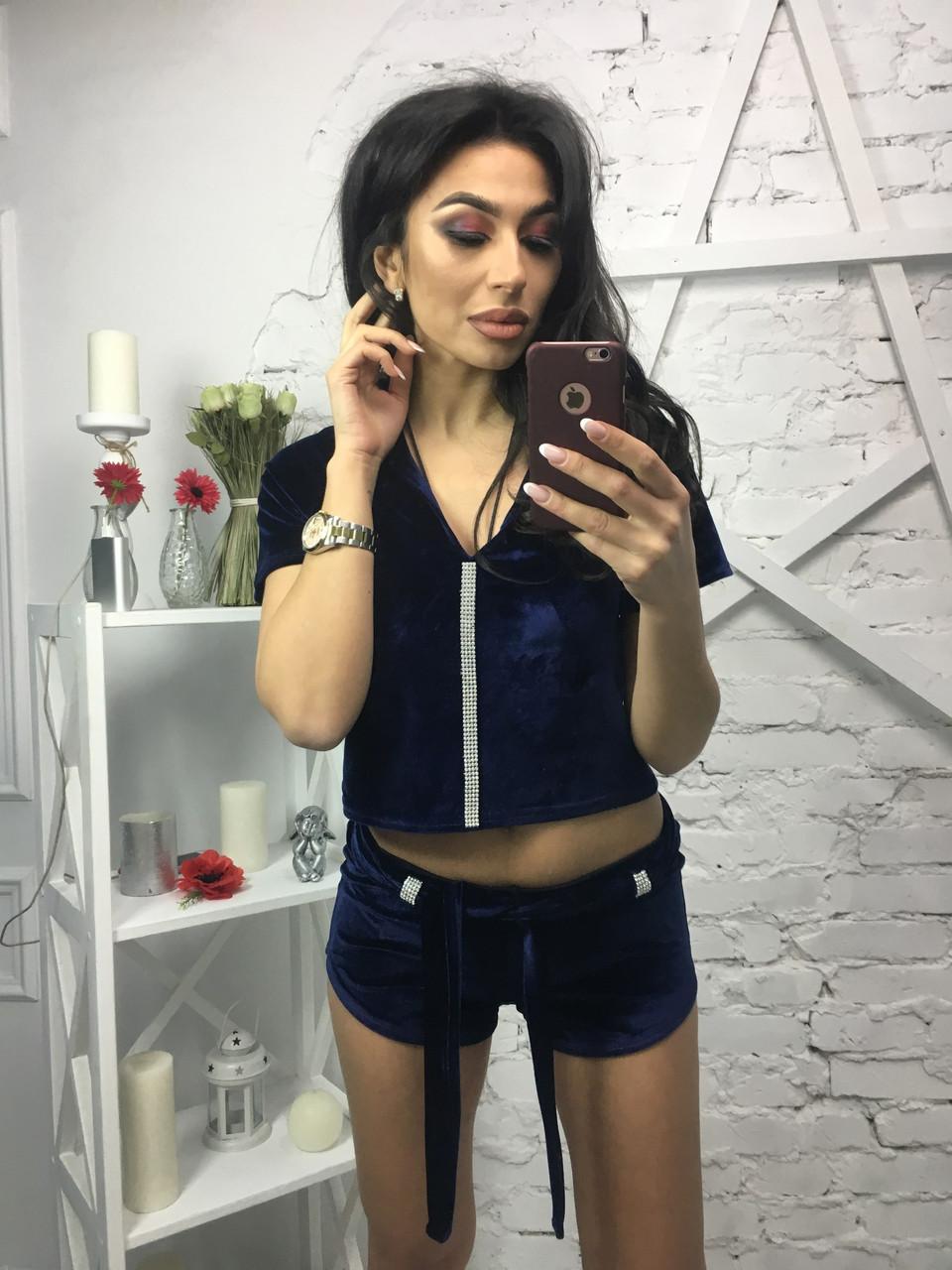 Женский костюм велюровый с шортами