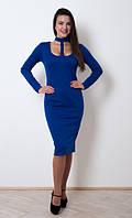 Оригинальное приталенное платье цвета электрик с завязкой на шею в стиле чокер
