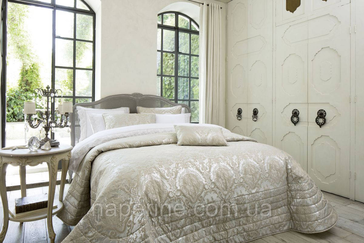 Покрывало с наволочками и декоративными подушками PEPPER HOME Люксовая серия 5 предметов Angelo