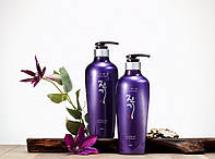 Регенерирующий шампунь Daeng Gi Meo Ri Vitalizing Shampoo 500мл
