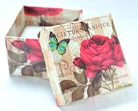 Коробка   5х5см цветы красная роза
