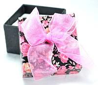 Коробка   5х5см цветы черная