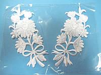 """Аплікація вишивка клейова парна """"Квіти"""" білі 13 см,1пара"""
