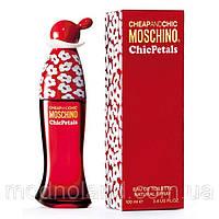 Женская туалетная вода Moschino Cheap&Chic Chic Petals 100 ml (Москино Чип энд Чик Шик Петалс)