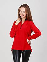 Женская блуза выполнена в деловом стиле красного цвета
