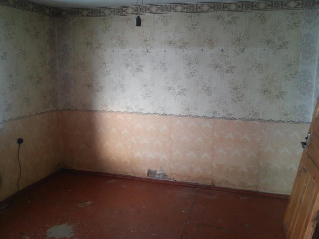 Стены и полы в доме.