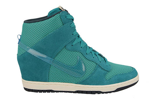 Женские кроссовки Nike Wmns dunk Sky High Essential