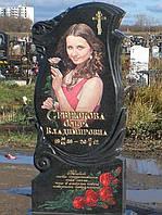 Одиночный гранитный памятник с цветным портретом