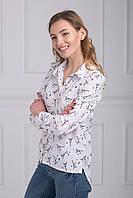 Белая шифоновая рубашка  с модным романтичным принтом