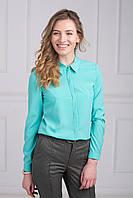 Однотонная бирюзовая блуза из легкого материала для офиса