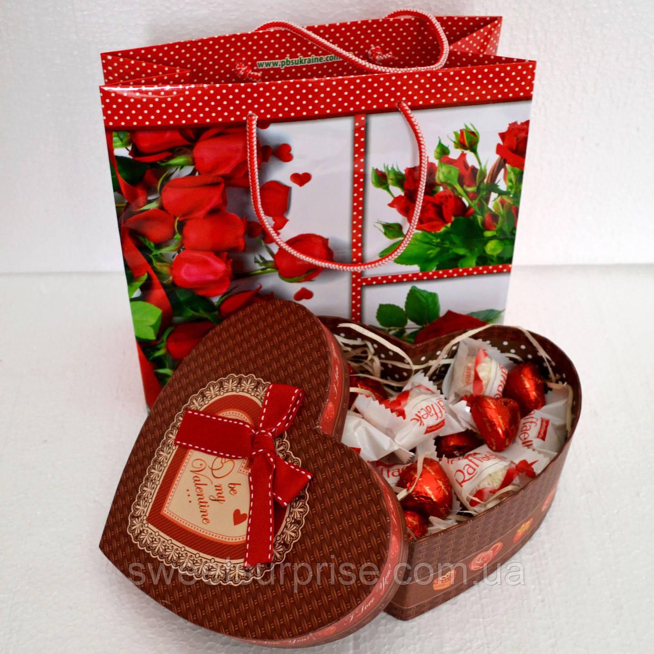 """Подарок из конфет """"Сердце к 14 февраля"""""""