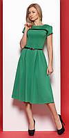 Женское трикотажное платье зеленого цвета с коротким рукавом в классическом стиле. Модель 975 SL.
