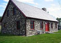Дом из декоративного камня