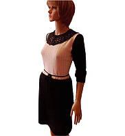 Вязаное женское платье машинной вязки сажурным воротником