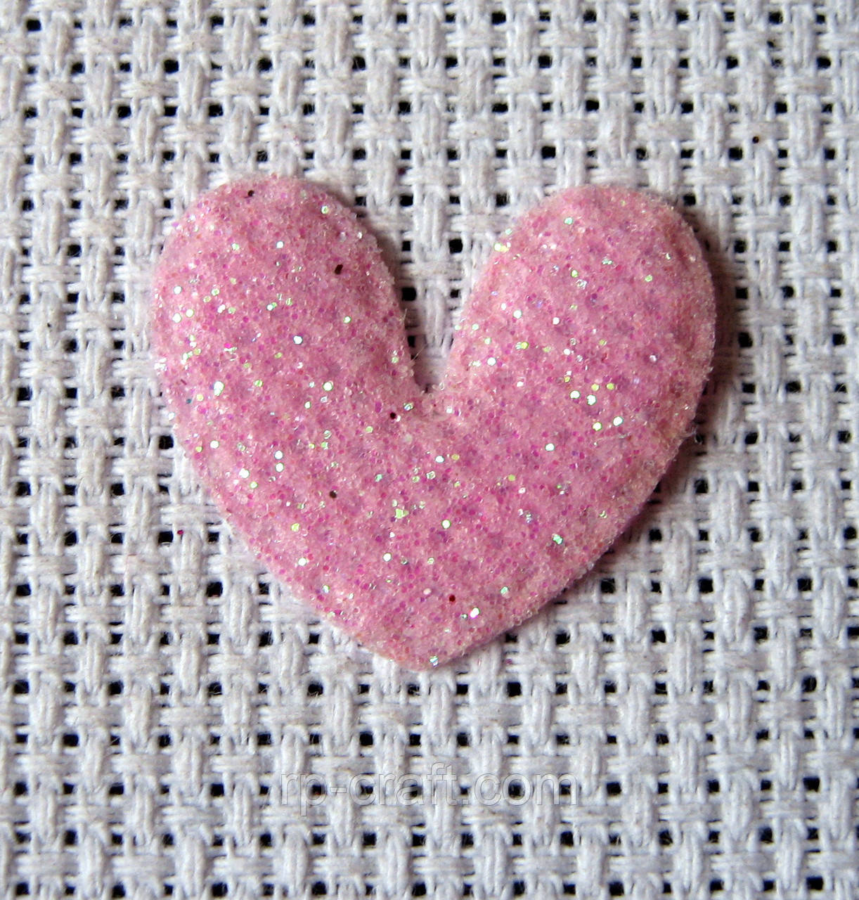 Аппликация пришивная, сердце бледно-розовое
