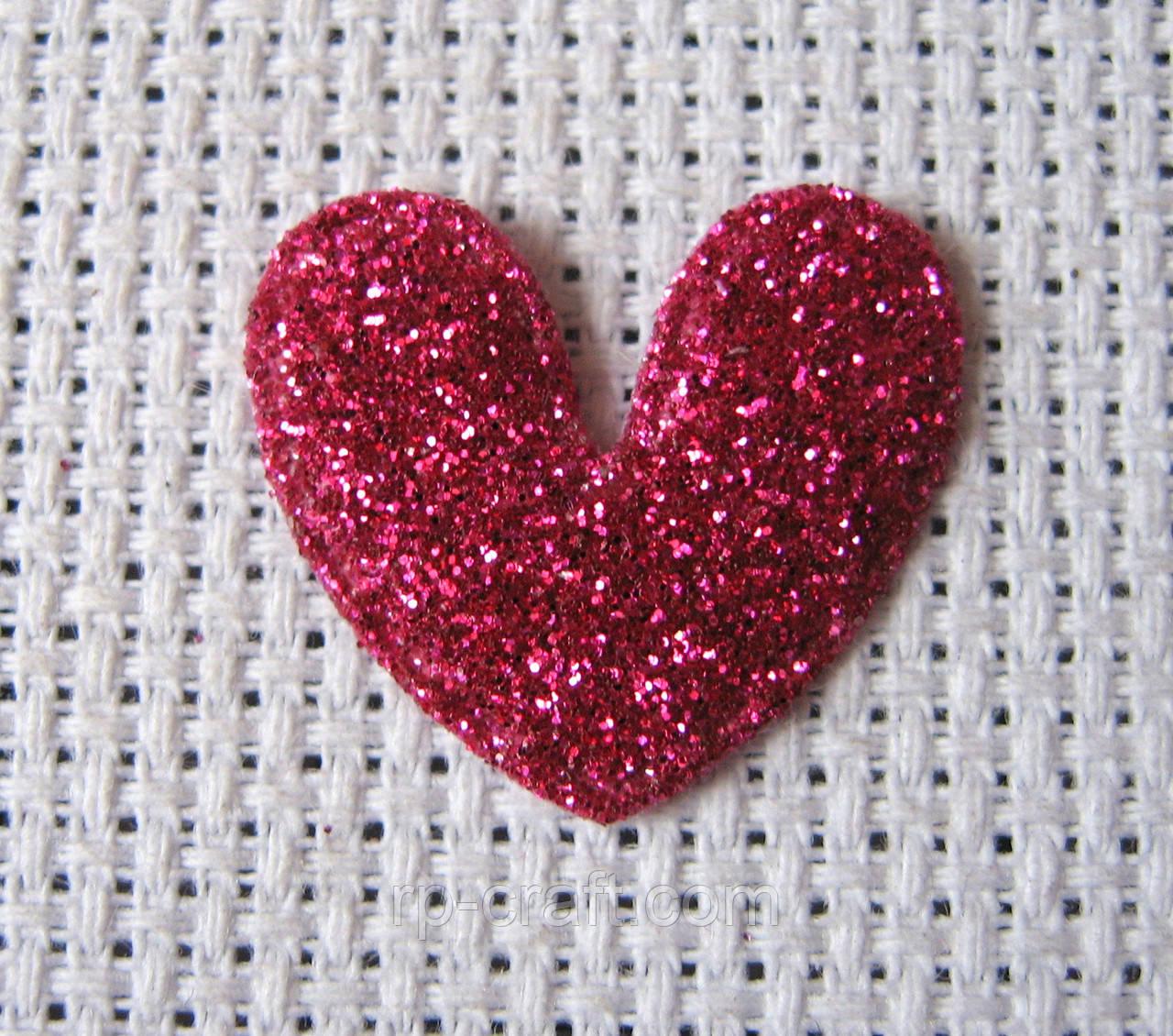 Аппликация пришивная, сердце темно-розовое
