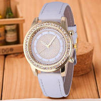 Стильные модные женские часы Geneva Brilliant со стразами , белые