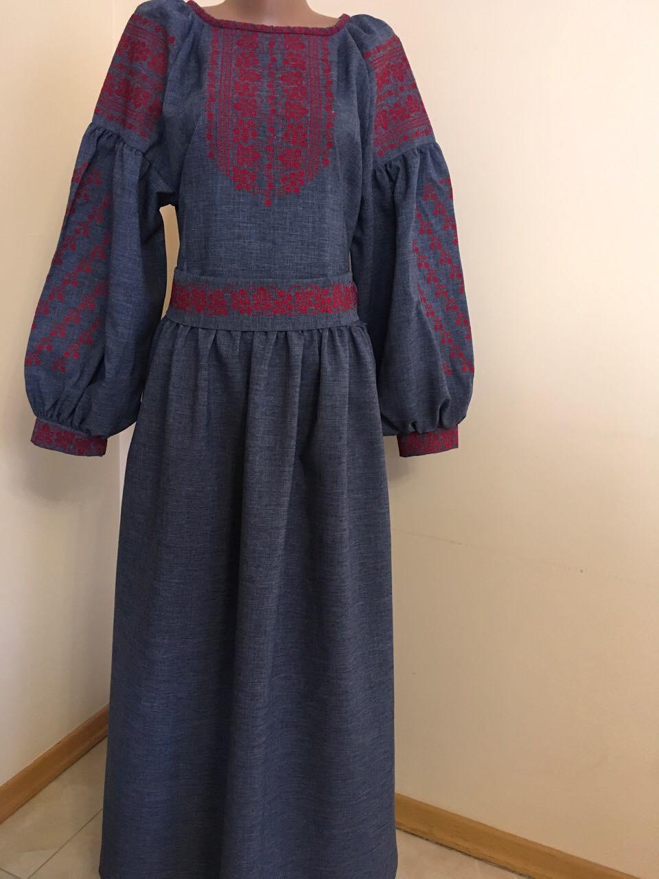 Плаття вишите хрестиком довге на габардині (машинна вишивка ... f9a1356e8e9d1