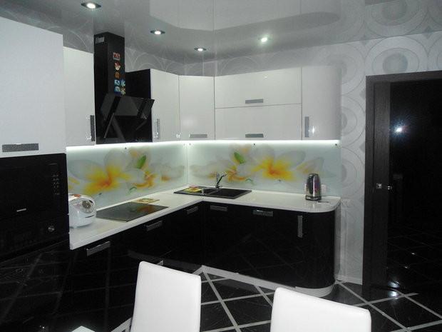 Кухня Чорно-білий глянець з плівкового МДФ