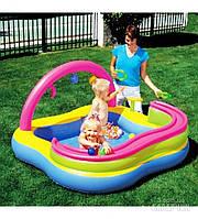 Детский надувной игровой центр-бассейн 52125