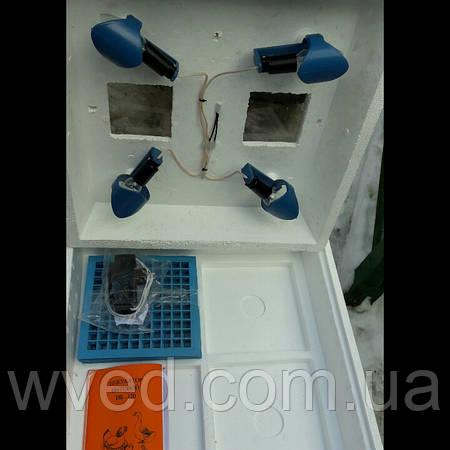 Инкубатор Наседка 120 яиц с ручным переворотом цифровым терморегулятором