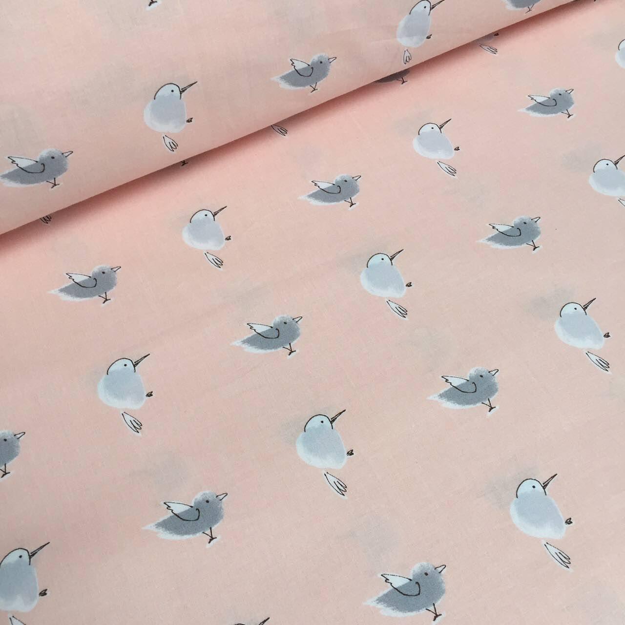 Хлопковая ткань премиум класса  с серыми птичками на персиковом №5-347