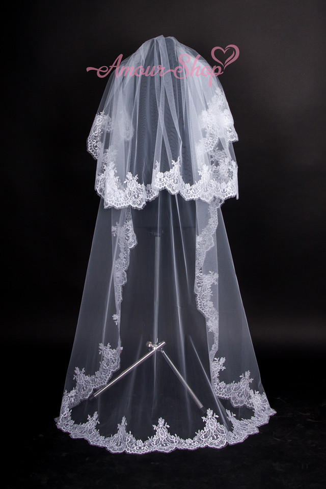 фата невесты длинная с кружевом шантильи