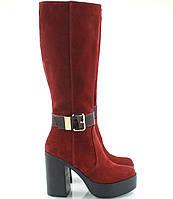 Замшвые весенние сапоги красные на высоком каблуке