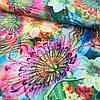 Штапель с яркими тропическими цветами