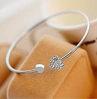 Женский модный браслет, украшенный сердцем с камнями, цвет - серебро