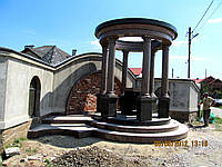 Статуи из гранита