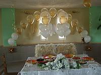 Красивое оформлениезала арка с фонтанами
