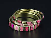 Набор браслетов из кости и латуни розовый