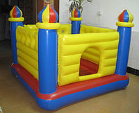 Детский надувной игровой центр-батут Замок Intex
